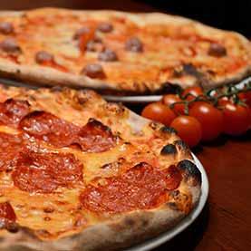 Hollywood Pizza Burger Die Beste Pizza Online Bestellen In 1090 Wien